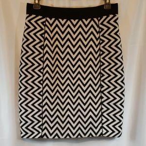 H&M Chevron print Skirt size 8